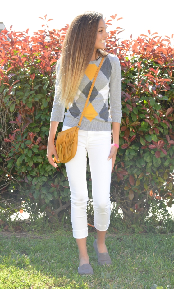 top & purse- Love Culture, skinnies- Abercrombie, shoes- TOMS